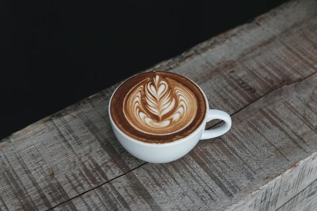 latte kafes mallia