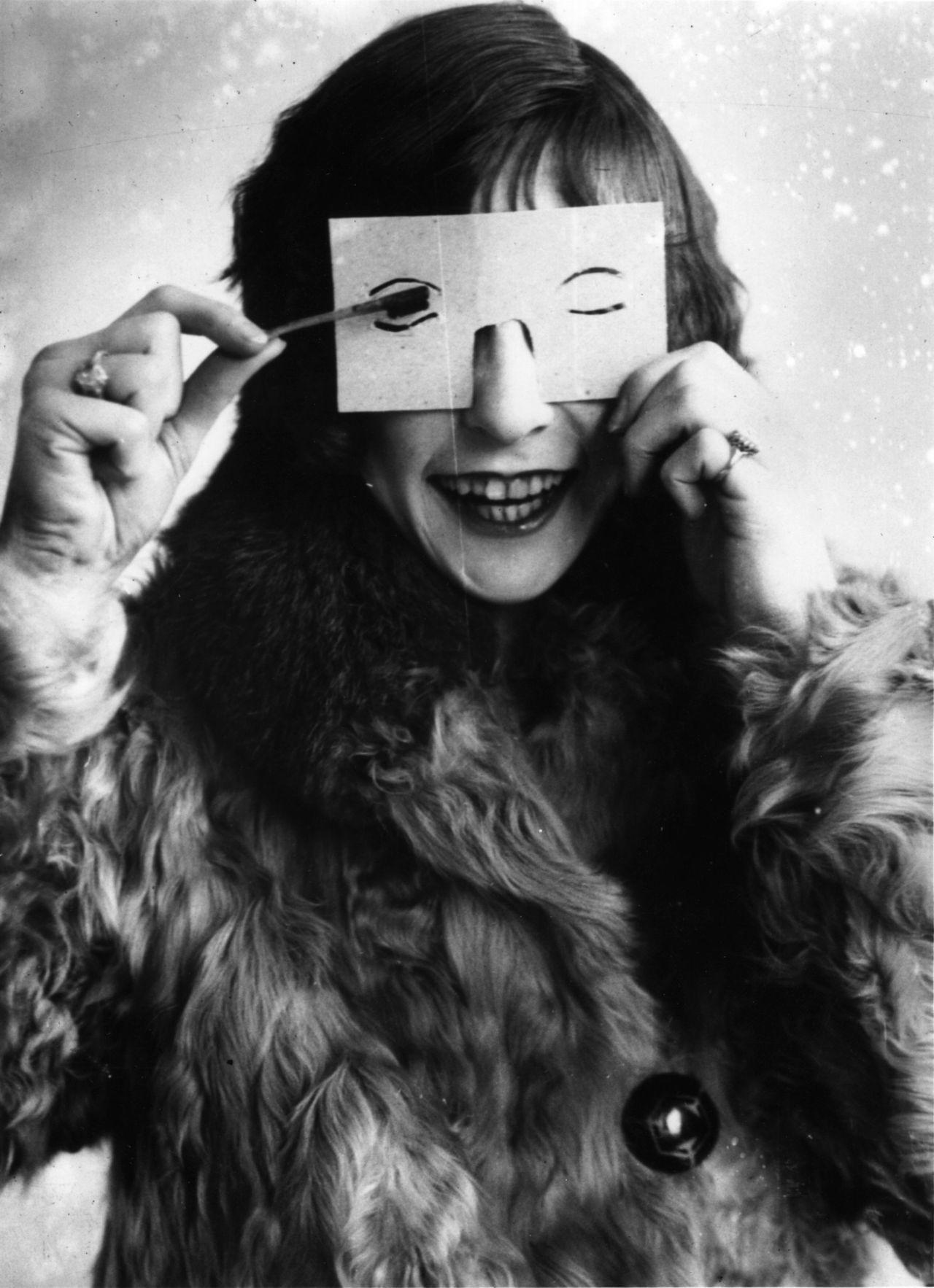 mascara 1923