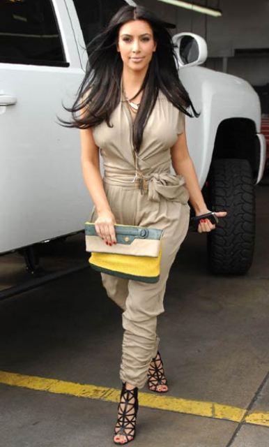 ermoumag_kim_kardashian_jumpsuit